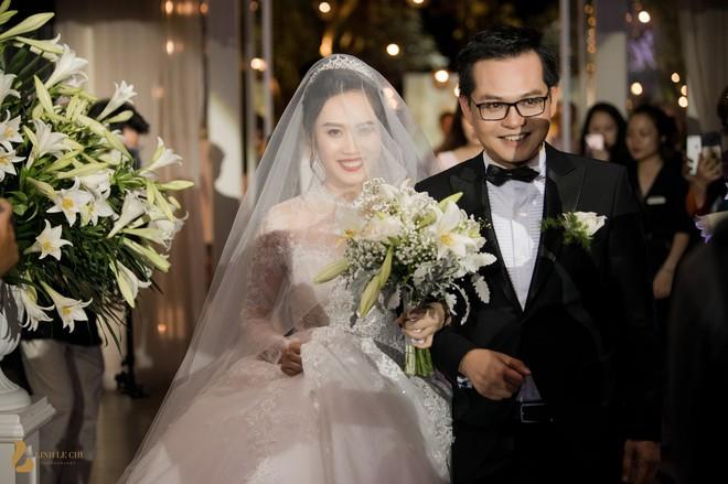 Toàn cảnh đám cưới ở Hà Nội của Giám đốc Nhà hát Kịch Hà Nội và hot girl 9X - Ảnh 9.