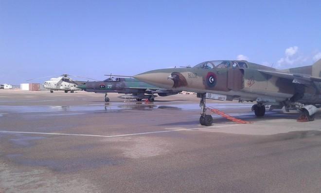 Cối xay thịt Libya: Máy bay LNA rụng như sung - Bằng chứng sốc quân ta bắn quân mình - Ảnh 4.