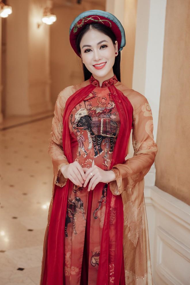 Hoa hậu Tuyết Nga hát chung sân khấu với loạt nghệ sĩ tên tuổi - Ảnh 6.