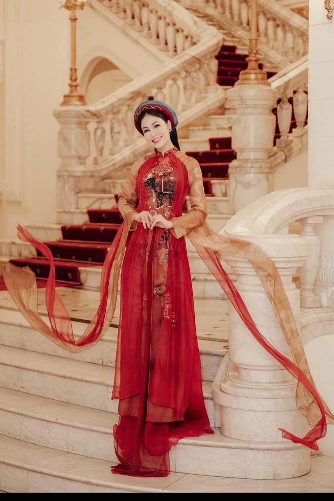 Hoa hậu Tuyết Nga hát chung sân khấu với loạt nghệ sĩ tên tuổi - Ảnh 8.