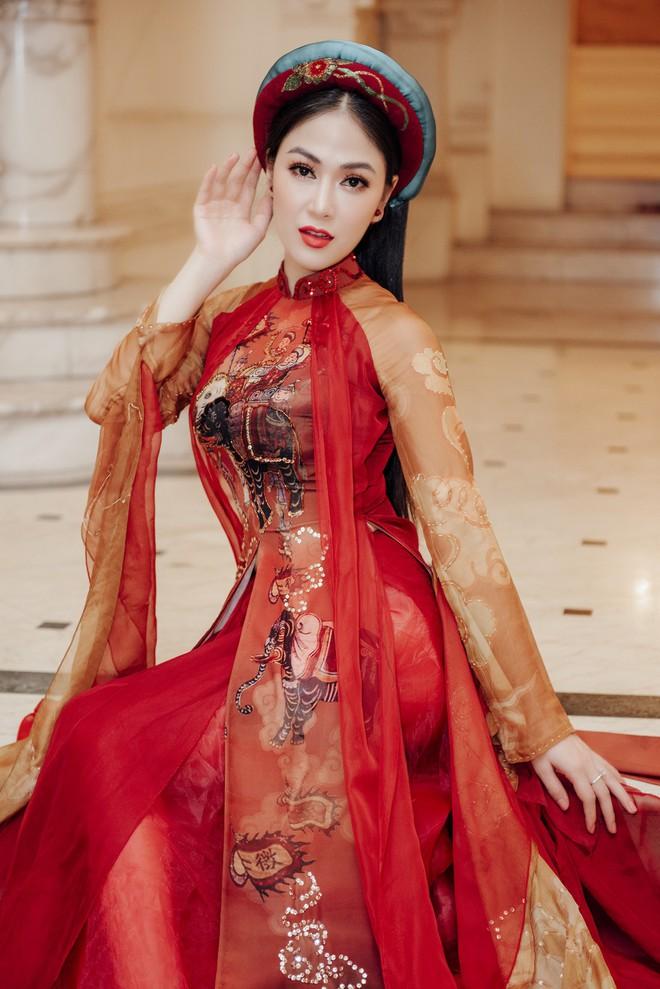 Hoa hậu Tuyết Nga hát chung sân khấu với loạt nghệ sĩ tên tuổi - Ảnh 7.