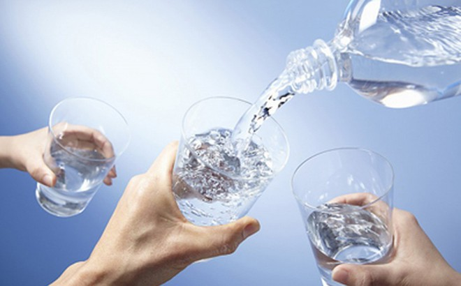 Kết quả hình ảnh cho uống nước