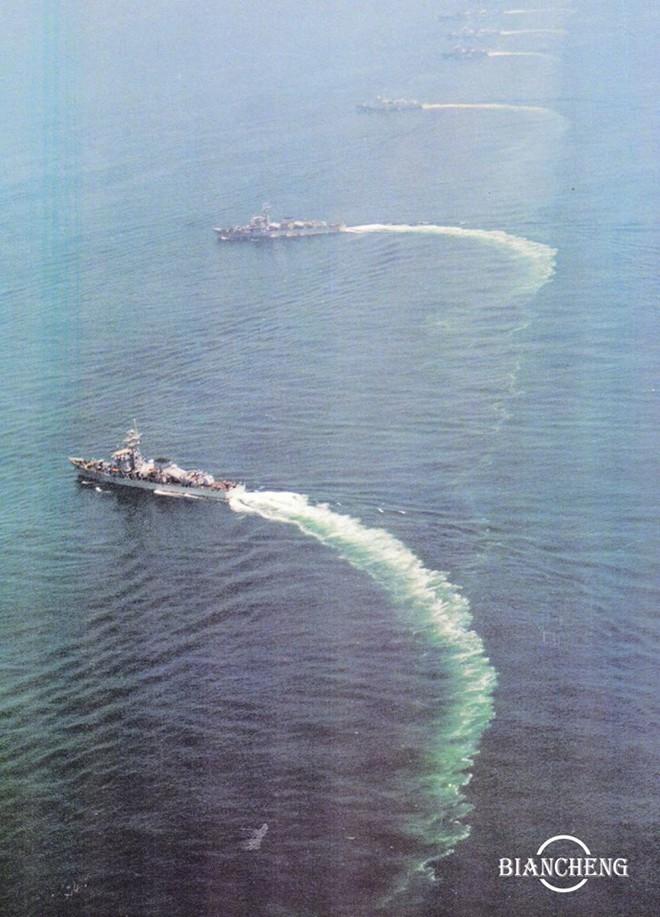 Ngạc nhiên trước hình ảnh Hải quân Trung Quốc cách đây vài thập kỷ - Ảnh 8.