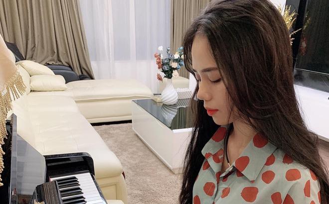 Người sở hữu các clip cover triệu view khiến MXH Việt xôn xao, danh tính của chị gây tò mò
