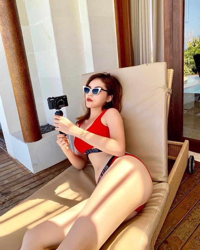 Sao Việt rủ nhau đi bơi, ai là 'nữ hoàng bikini'? - Ảnh 3.