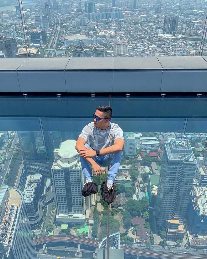 Dân tình hốt hoảng với sàn kính cao ở độ cao trên 300m ngắm trọn cảnh thủ đô Bangkok - Ảnh 10.