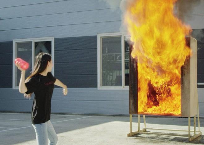 Cận cảnh phát minh chặn đứng ngọn lửa trong tích tắc của Sam Sung: Tiện lợi không ngờ - Ảnh 4.