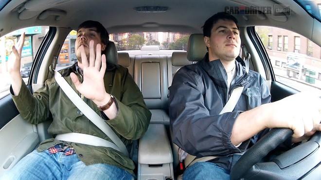 Đây chính là vị trí ngồi nguy hiểm nhất khi bạn đang ở trên một chiếc ô tô - Ảnh 2.