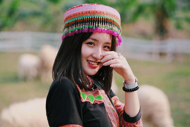 Xuất hiện vài giây trên bản tin truyền hình, cô gái Hà Nội bỗng được dân mạng truy lùng - Ảnh 10.