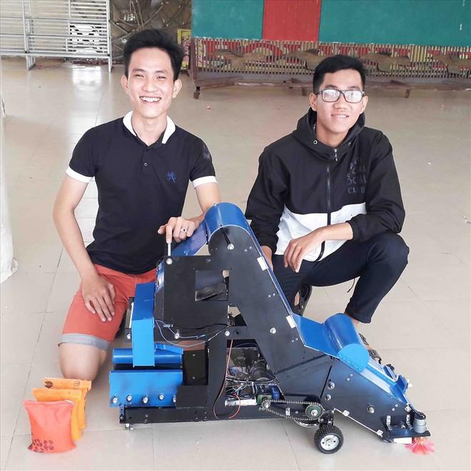 Nhờ sáng chế, 2 học sinh miền núi Ninh Thuận được tuyển thẳng vào ĐH - Ảnh 1.
