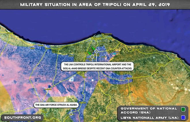 Lò lửa Libya nóng rực - Nhiều máy bay lạ tham chiến - Ảnh 1.