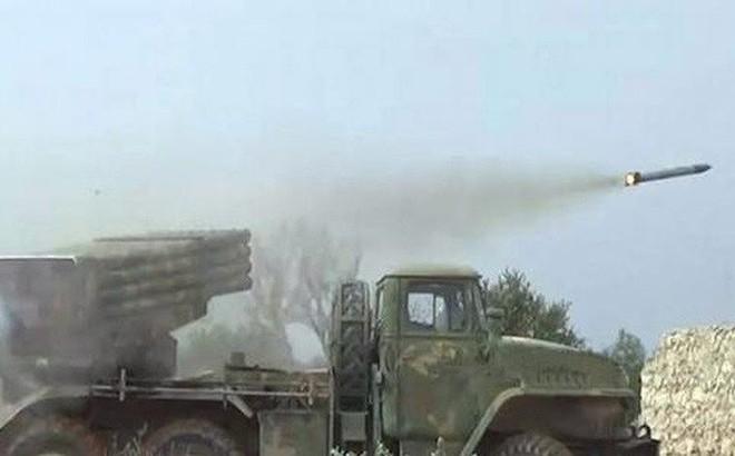 """Syria dùng pháo và tên lửa chiến thuật quyết liệt phản kích """"phe thánh chiến"""""""