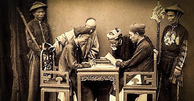 Vụ án thi cử nổi tiếng nhất sử Việt: Cách sửa bài ngược đời cứu quan gian lận thoát chết - Ảnh 2.