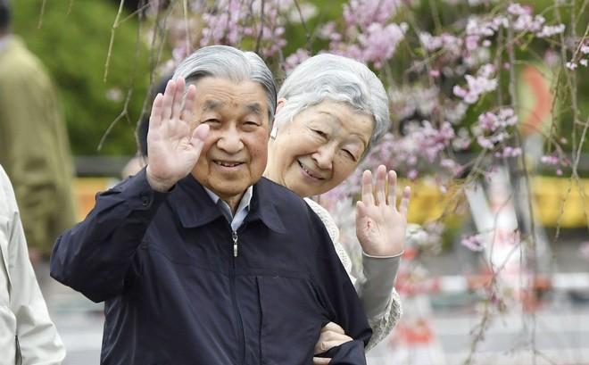"""Nhà báo Hoàng gia kể về cuộc sống nhiều cái """"không"""" của Nhật hoàng và Hoàng gia Nhật Bản"""
