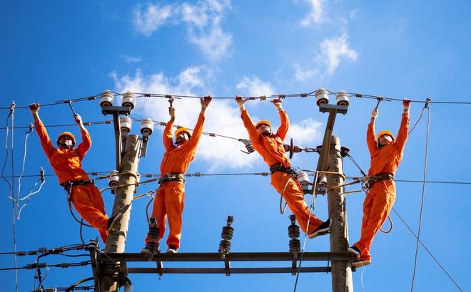 """Lãnh đạo ngành điện lực nói gì về """"hóa đơn tiền điện tăng cao""""?"""