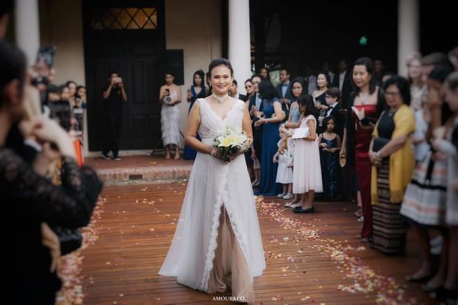 Toàn cảnh đám cưới được giấu kín của chồng cũ diva Hồng Nhung và diễn giả người Myanmar - Ảnh 6.