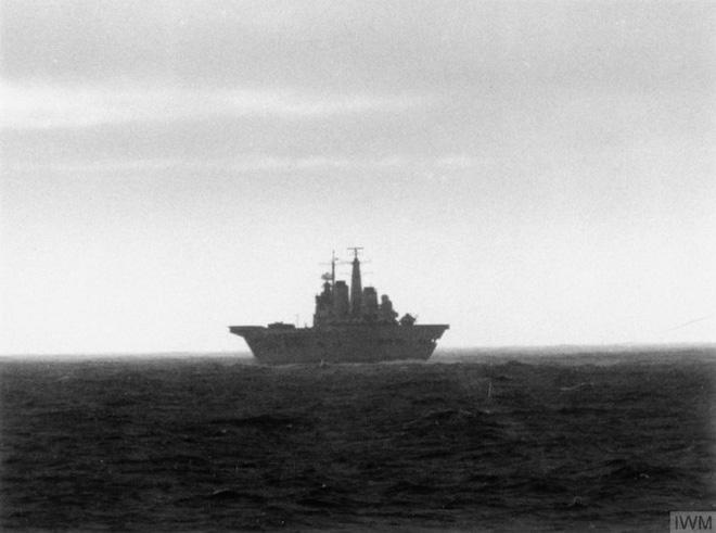 Nhìn lại cuộc chiến Falkland 37 năm trước - Ảnh 2.