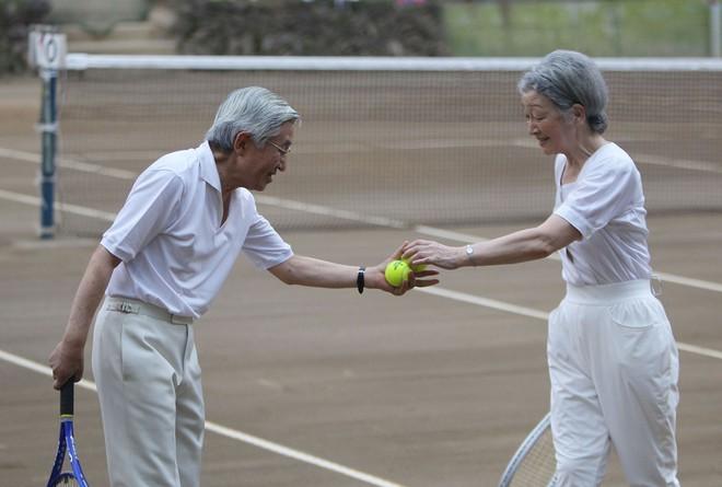 Hoàng hậu phải đi sau 2 bước, nói ít hơn phu quân nửa lời và những quy tắc nghiêm ngặt trong hoàng gia Nhật - Ảnh 7.