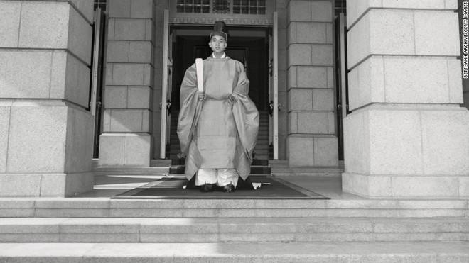 Nhật Bản đếm ngược sự kiện 200 năm có một: Nhật hoàng Akihito đã bắt đầu nghi thức thoái vị - Ảnh 4.