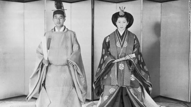 Nhật Bản đếm ngược sự kiện 200 năm có một: Nhật hoàng Akihito đã bắt đầu nghi thức thoái vị - Ảnh 6.