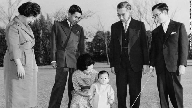 Nhật Bản đếm ngược sự kiện 200 năm có một: Nhật hoàng Akihito đã bắt đầu nghi thức thoái vị - Ảnh 7.