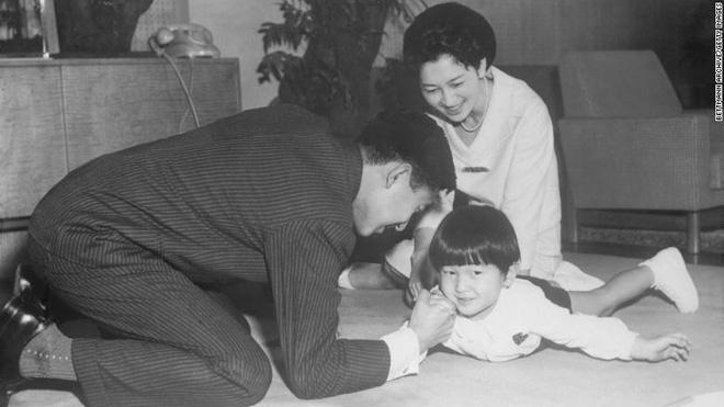 Nhật Bản đếm ngược sự kiện 200 năm có một: Nhật hoàng Akihito đã bắt đầu nghi thức thoái vị - Ảnh 8.