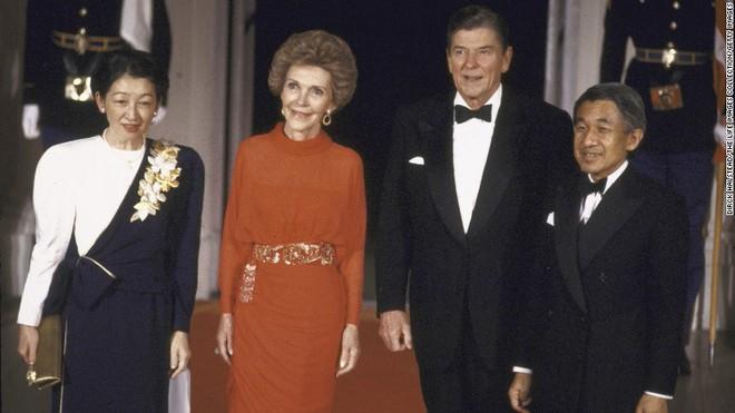 Nhật Bản đếm ngược sự kiện 200 năm có một: Nhật hoàng Akihito đã bắt đầu nghi thức thoái vị - Ảnh 9.