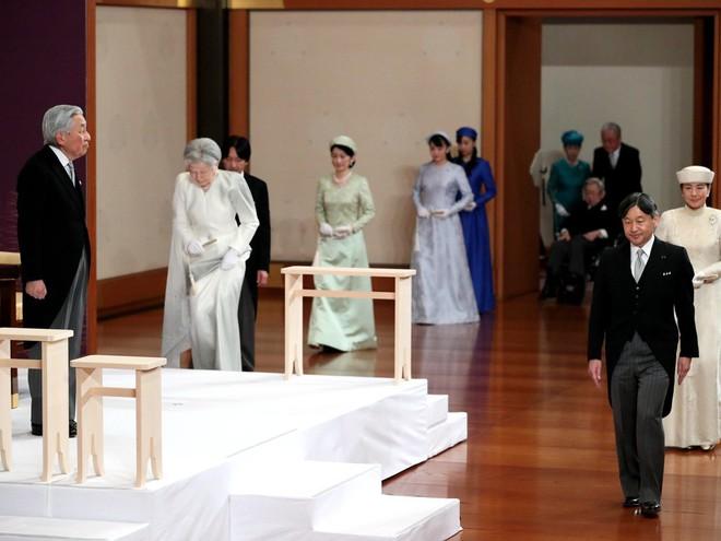 Nhật hoàng Akihito tuyên bố chính thức thoái vị, gửi lời chúc hòa bình tới thế giới - Ảnh 1.