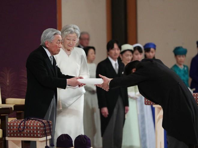 Nhật hoàng Akihito tuyên bố chính thức thoái vị, gửi lời chúc hòa bình tới thế giới - Ảnh 5.