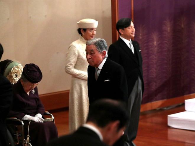 Nhật hoàng Akihito tuyên bố chính thức thoái vị, gửi lời chúc hòa bình tới thế giới - Ảnh 7.