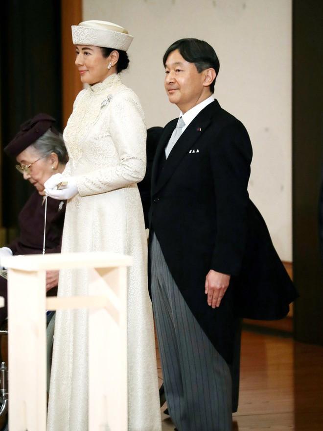 Nhật hoàng Akihito tuyên bố chính thức thoái vị, gửi lời chúc hòa bình tới thế giới - Ảnh 9.