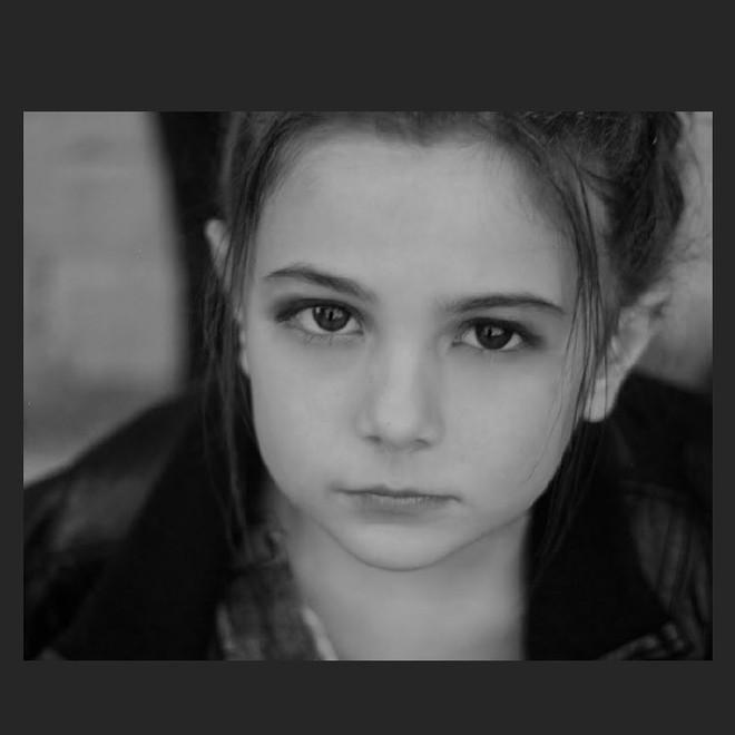 Cận cảnh nhan sắc của diễn viên nhí thủ vai con gái Iron Man trong Avengers: Endgame: Mỹ nhân tương lai là đây! - Ảnh 11.