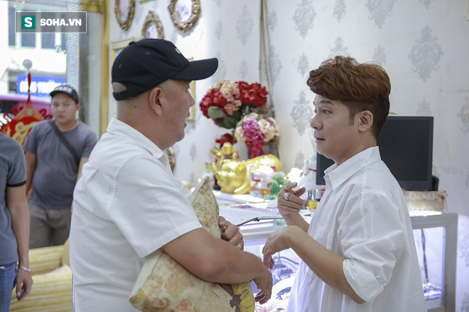 Quốc Thuận: Giỏi chưa chắc đã làm nghề hoài, thái độ sống, chuyên nghiệp quyết định tất cả - Ảnh 2.