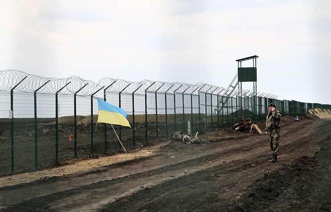 Ukraine tuyên bố tăng tốc xây tường biên giới, bất ngờ được Nga khen: Lựa chọn thời điểm quá hợp lý! - Ảnh 2.