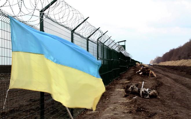"""Ukraine tuyên bố tăng tốc xây tường biên giới, bất ngờ được Nga """"khen"""": Lựa chọn thời điểm quá hợp lý!"""