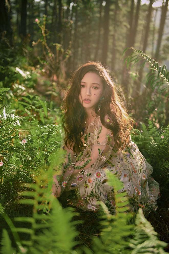 Nữ ca sĩ sinh năm 2000 gây ấn tượng với MV mới - Ảnh 3.