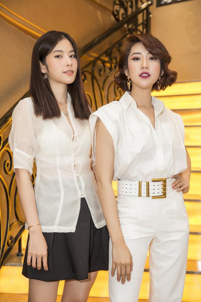Thúy Ngân xinh đẹp, cá tính trong ngày ra mắt bộ phim gây tranh cãi về trang phục - Ảnh 8.