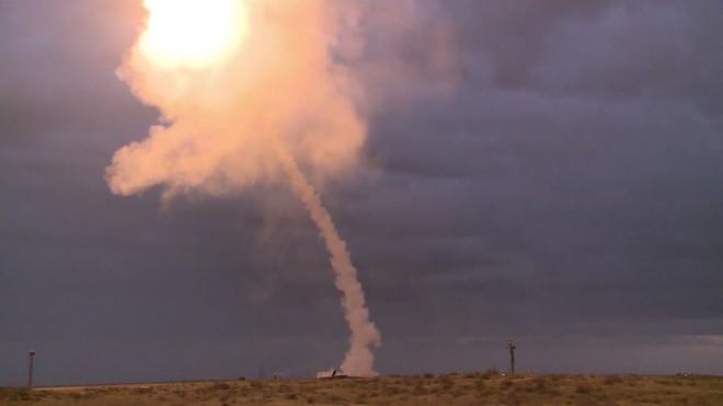 Tên lửa S-300 bất ngờ khai hỏa nhằm thẳng tiêm kích tàng hình F-35 Israel? - Ảnh 1.