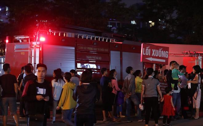 Cháy ở Bệnh viện Nhi Trung Ương Hà Nội, bệnh nhân hoảng loạn tháo chạy