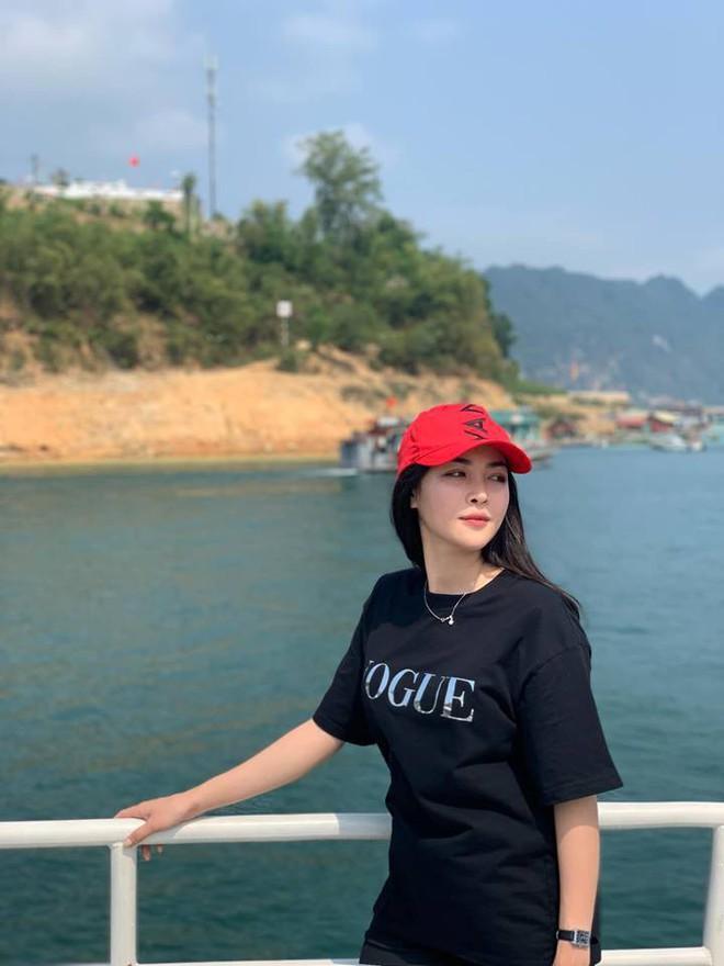 Hot girl thẩm mỹ Vũ Thanh Quỳnh sau 4 năm thay diện mạo đổi cuộc đời: Đã giàu có hơn, vẫn lẻ bóng đợi chân ái - Ảnh 11.
