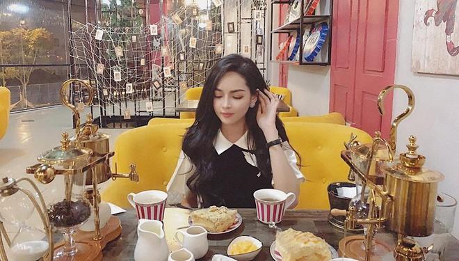 Hot girl thẩm mỹ Vũ Thanh Quỳnh sau 4 năm thay diện mạo đổi cuộc đời: Đã giàu có hơn, vẫn lẻ bóng đợi chân ái - Ảnh 13.