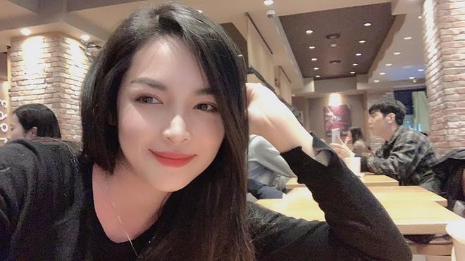 Hot girl thẩm mỹ Vũ Thanh Quỳnh sau 4 năm thay diện mạo đổi cuộc đời: Đã giàu có hơn, vẫn lẻ bóng đợi chân ái - Ảnh 3.