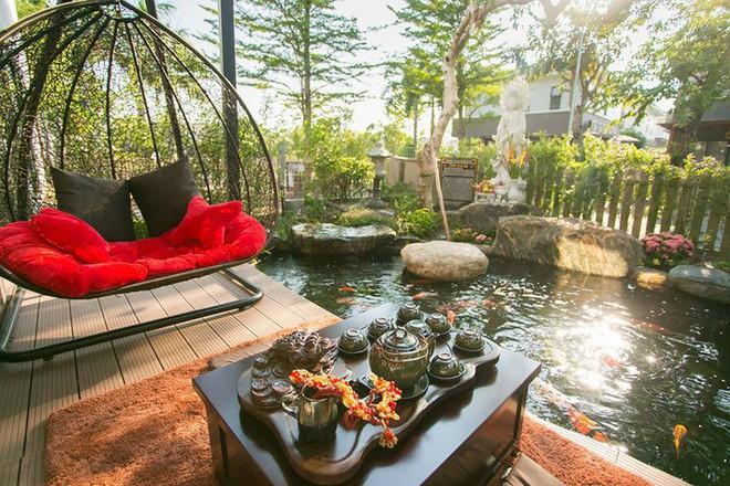 Ngắm biệt thự triệu đô bình yên với khu vườn rực rỡ sắc hoa cùng hồ cá Koi của Nhật Kim Anh giữa lòng Sài Gòn - Ảnh 5.