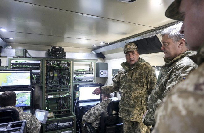 Tàu chiến Nga hãy đợi đấy: Ukraine bắn thử thành công tên lửa bờ mới - Niềm tự hào lớn! - Ảnh 10.