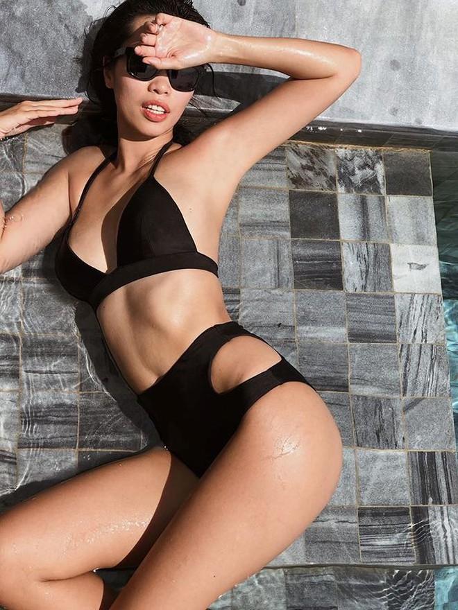 Hà Anh khoe dáng cực nóng bỏng với bikini sau 9 tháng sinh con - Ảnh 1.