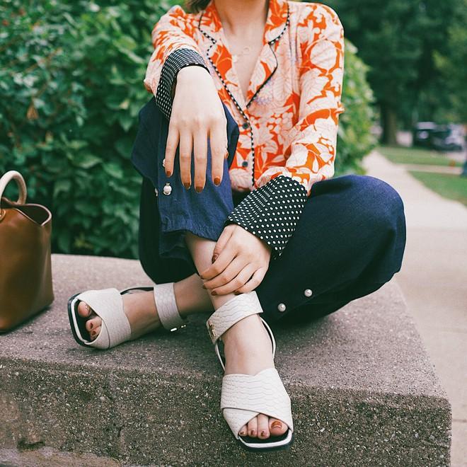 Hè này phải mặc đẹp hơn hè năm ngoái, và đây là 5 món đồ bạn nên rục rịch sắm ngay để luôn ghi điểm phong cách - Ảnh 5.