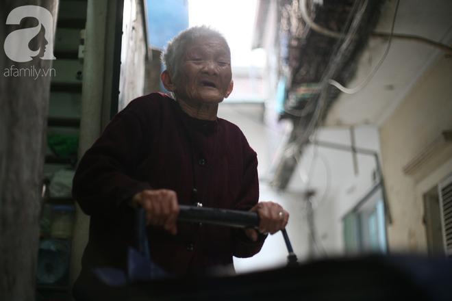 Xót cảnh cụ bà 84 tuổi, hàng ngày phải đẩy xe đi bán kẹo và tâm nguyện cuối cùng trước khi chết - Ảnh 7.