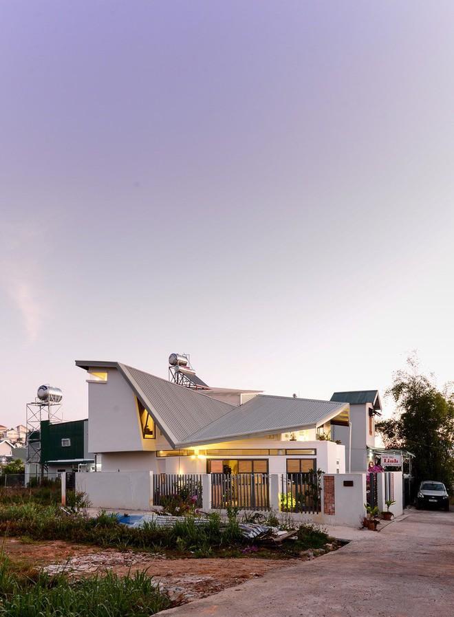 Thiết kế lạ khiến căn hộ này ở trong nhà nhưng cũng có cảm giác như đang ngoài trời - Ảnh 8.