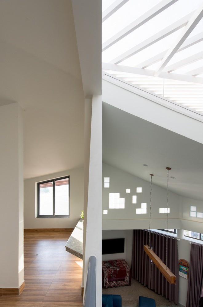 Thiết kế lạ khiến căn hộ này ở trong nhà nhưng cũng có cảm giác như đang ngoài trời - Ảnh 2.