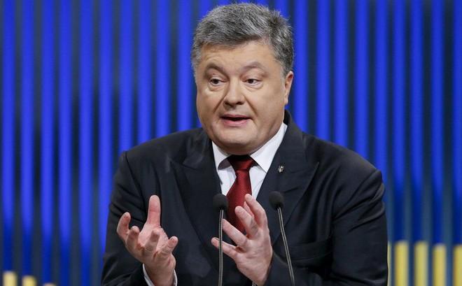 """Biến Nga thành """"ngáo ộp"""", TT Poroshenko bị Moskva chỉ trích dữ dội: Quá yếu kém, quá thảm hại!"""
